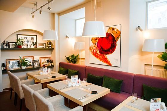 Ресторан Vkusnoe Café - фотография 2