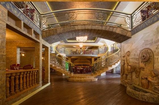 Ресторан Генацвале-сити - фотография 4 - Первый этаж