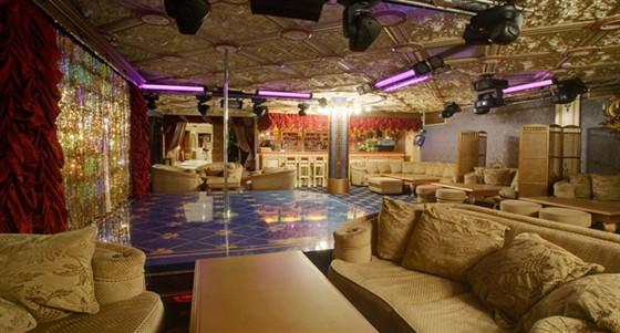 Ресторан Le rouge - фотография 10 - big hall Le Rouge Cabaret