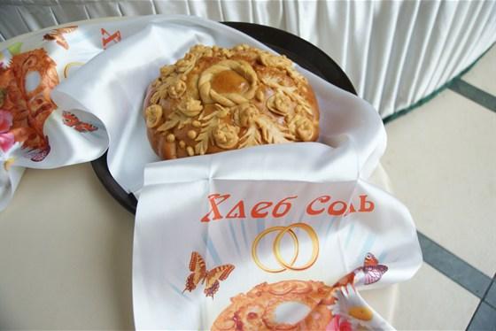 Ресторан Невский - фотография 9 - Свадебный каравай