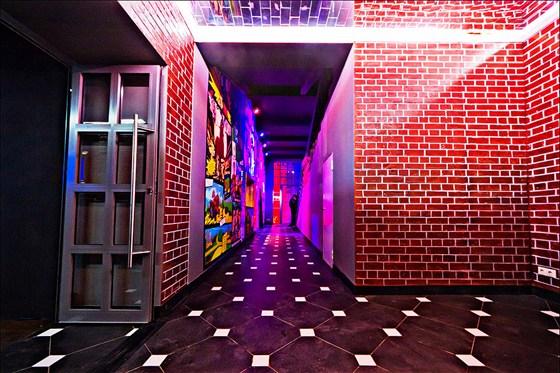 Ресторан Сивка-Бурка - фотография 4 - Сивка-Бурка  Кафе - Караоке - Бар выход из залов