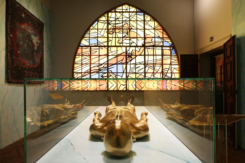 Проект Арсения Жиляева «Колыбель человечества» для выставки фонда V-A-C в Каза деи Тре Очи в Венеции в 2015 году