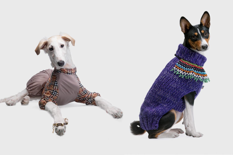 Слева: комбинезон «Тузик», 898 р. Справа: пуловер Dream On, 2150 р.