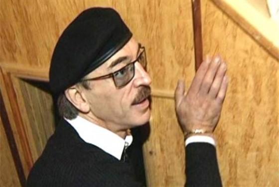 Михаил Боярский. Усы и шляпа — вот мои документы смотреть фото