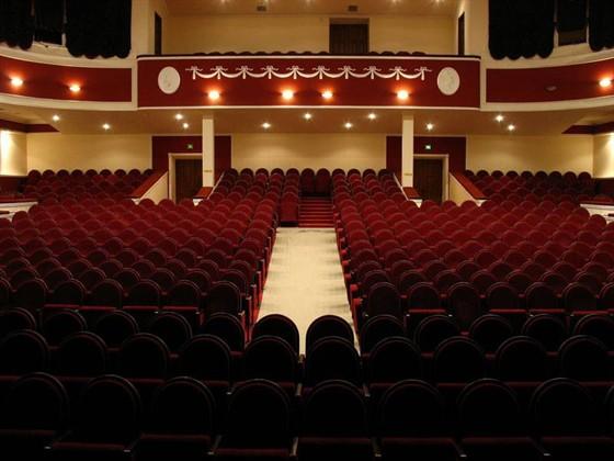 Новочеркасский драматический театр билеты афиша кино спб в румбе на кировском