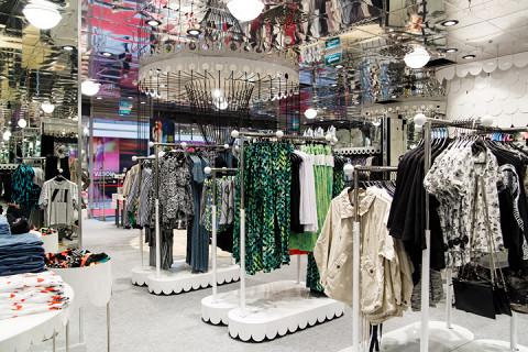 Первый московский магазин Monki открылся в марте 2014 года в «Гудзоне»