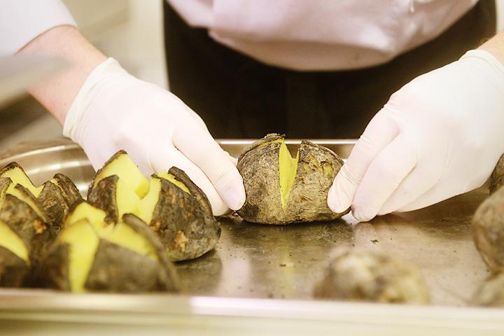 Запеченный подмосковный картофель от Алексея Иванова