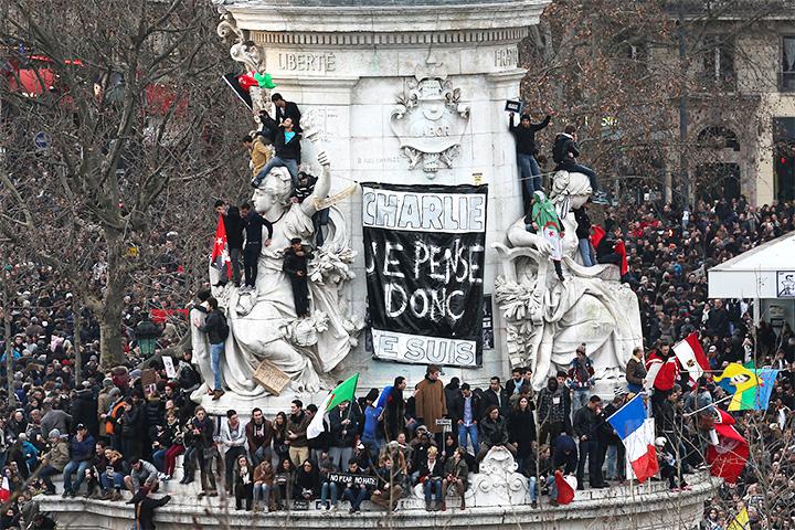 На марш единства 11 января в Париже в память жертв исламских фанатиков вышли 1,5 млн человек