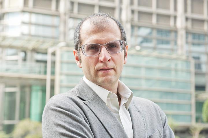 Марк Завадский 10 лет жил в Азии и работал экономическим журналистом, а с августа 2014 года работает в AliExpress