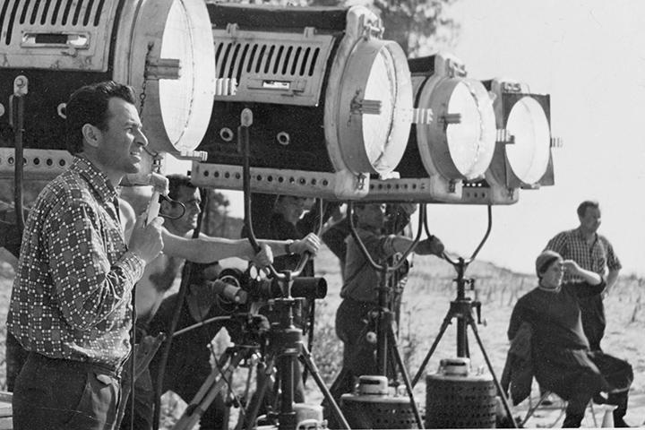 Владимир Мотыль, автор «Семи пар нечистых», на съемках одного из фильмов, сделать которые ему все-таки удалось