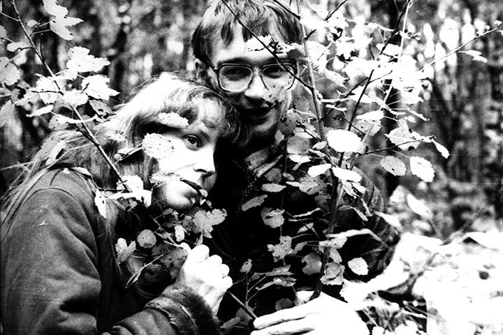Борис и Анастасия Белокуровы в Тропаревском лесу, 2002 год