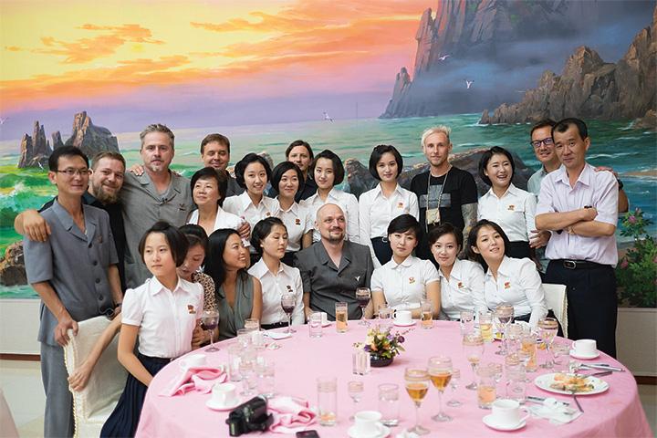 Второй концерт Laibach в Пхеньяне прошел 20 августа в музыкальной школе «Кум-Сон» — учениц оттуда даже пригласили на прием в честь группы