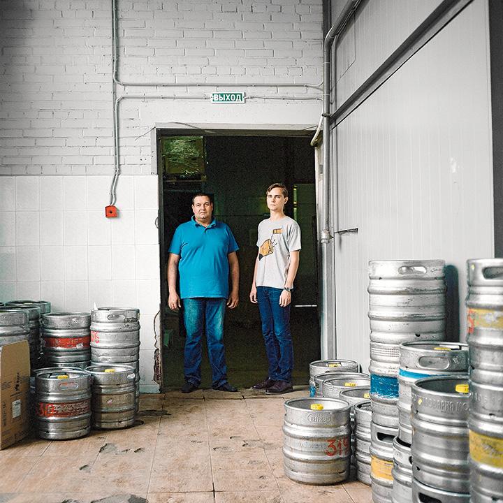 Отец Алексей и сын Семен Небольсины – владелец сидрерии и ее директор по маркетингу