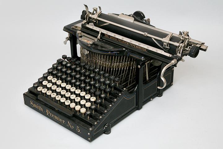Американская пишущая машинка Smith Premier (1900–1908 гг.)