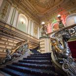 Ресторан Серебряный век - фотография 5 - Парадная лестница
