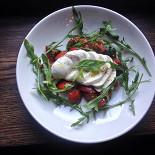 Ресторан The Standard - фотография 2 - моцарелла с томатами