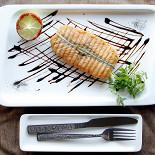 Ресторан Непоследние деньги - фотография 5 - Стейк из лосося.
