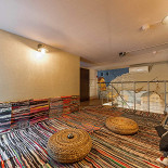 Ресторан Дымок & Уголек - фотография 4 - Chill out зона на втором этаже