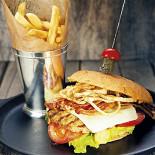 Ресторан Zinger Grill - фотография 6 - Zig бургер