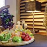 Ресторан Баловень - фотография 4 - с фруктовой платой