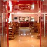 Ресторан Джулия - фотография 3 - Банкеты!!!! Стоимость меню на человека от 1000 руб. + Ваш алкоголь + бесплатное караоке + без аренды зала!!!!!