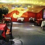 Ресторан Альбатрос - фотография 1 - Банкетный зал на 70 человек. Полная загрузка - 90 человек, но места кроме стола тогда не останется (для танцев придется снимать и второй зал - это возможно). В зале есть караоке.