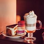 """Ресторан Питькофе - фотография 3 - Наши вкуснейшие десерты в кафе """"Пить Кофе Cannes"""""""