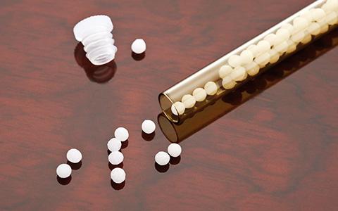 Смертельные прививки и другие мифы: как относиться к нетрадиционной медицине