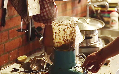 «Афиша» готовит смузи. Шок! Разрушение! Видео