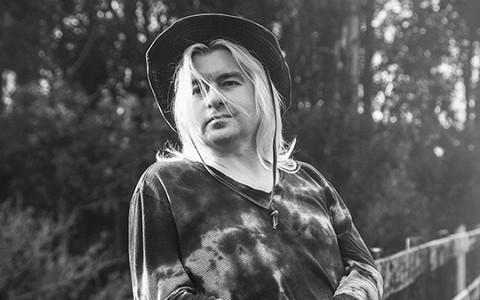 «С моей рожей в России работать нельзя»: басист «КиШ» о переезде в Калифорнию