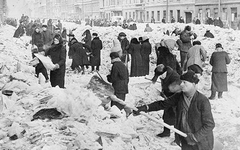«Живые картины» Полины Барсковой: ленинградская блокада в лицах