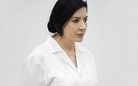 Марина Абрамович в галерее Серпентайн