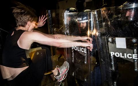 «Refugees In, Nazis Out»: премьера нового клипа Pussy Riot