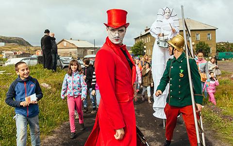 Первый арктический фестиваль в фотографиях: сколько собрали денег и съели ежей