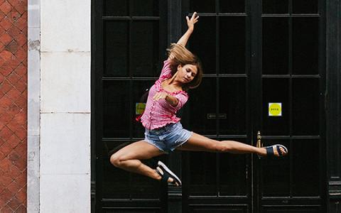 «Порше» не купишь, но голодать не будешь»: как живут и работают артисты балета