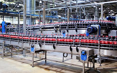 Как делают кока-колу в России: репортаж с завода в Новопеределкино