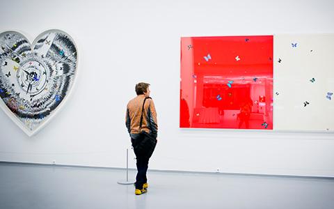Кто дает деньги на выставки Мультимедиа-арт-музею