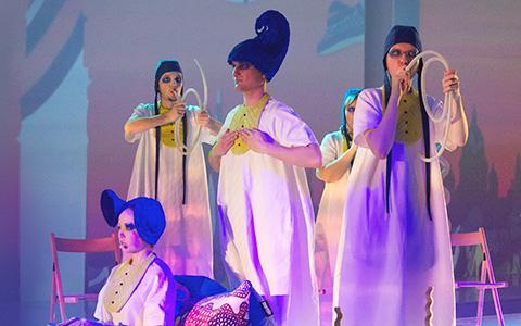 Дабстеп, Кейв, Пугачева и Сибелиус: 6 микстейпов от создателей оперного сериала