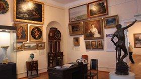 12 стульев из дворца, или В поисках сокровищ русской аристократии