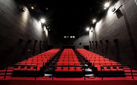 «Синема Парк» открыл зал с двигающимися креслами, туманом и другими спецэффектами