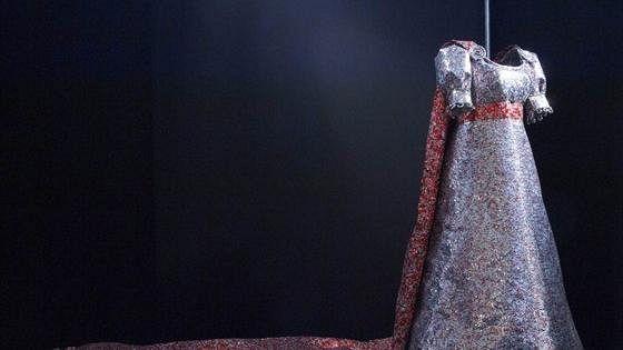 Дань Греции как женщине, породившей культуру: посвящение Марии Каллас и Грейс Келли. Костюмы-скульптуры Никоса Флороса