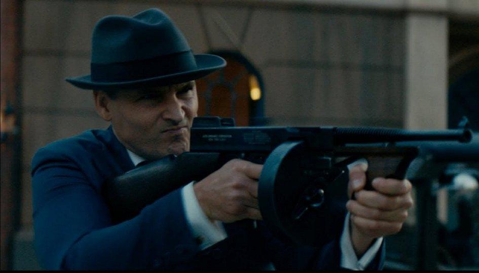 Кино: «Земля гангстеров»