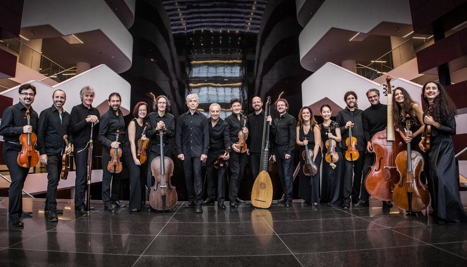 Концерты: Ансамбль старинной музыки Il Giardino Armonico. Дирижер и солист Джованни Антонини (флейта)
