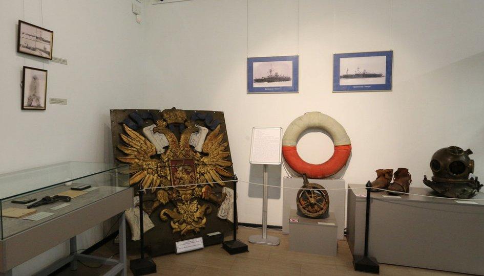 Выставки: В плену у Посейдона