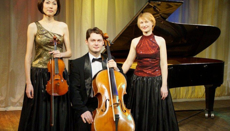 Концерты: «На пути к романтизму»: Алексей Симоновский, «Dolce-трио»