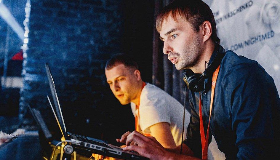 Концерты: «В меде только девушки»: DJs Dyxanin, Xray, Kovalev