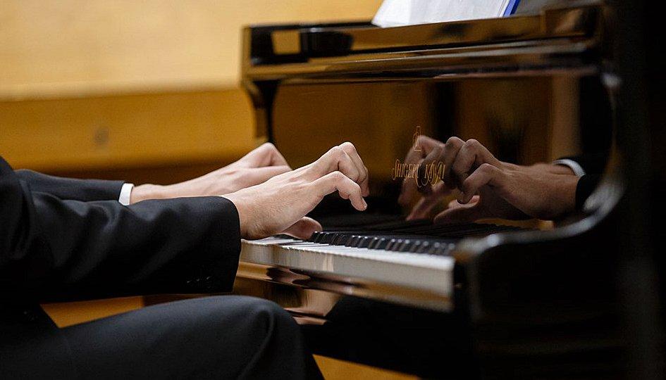 Концерты: Александр Шайкин (фортепиано)