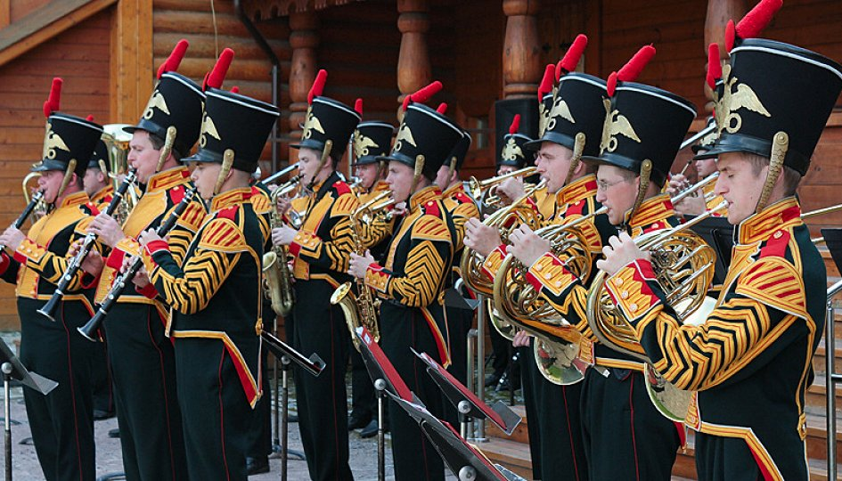 дирижеры военных оркестров россии блондинка Дерзкое личико