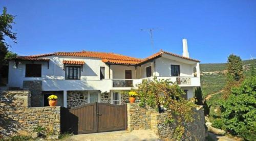 Дом в остров Флорина за 30 000 евро