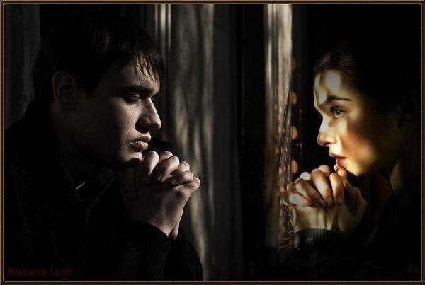 Он в плену она ищет